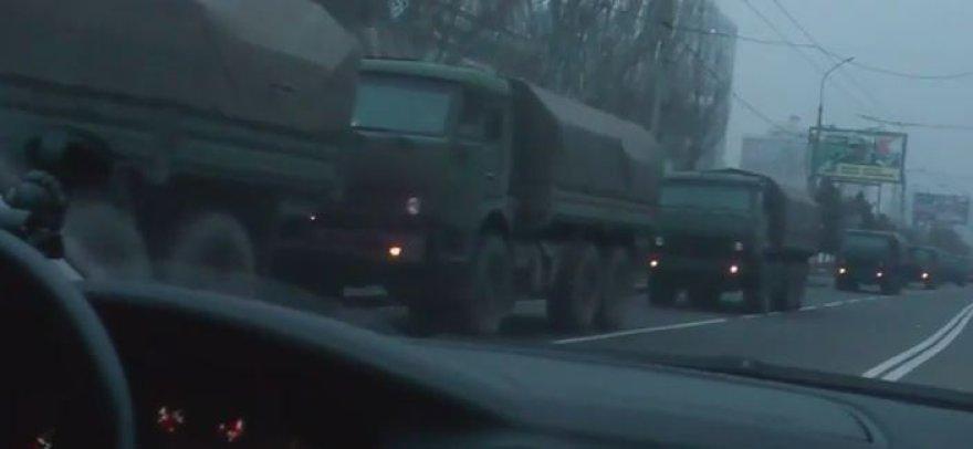 Karinės technikos kolona Donecke