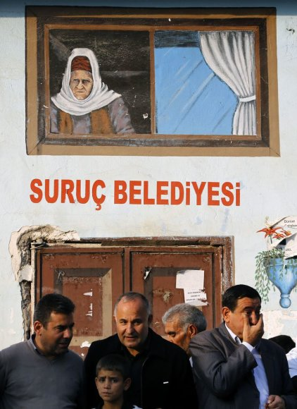 Kurdai laukia pešmergų grupių Suruče