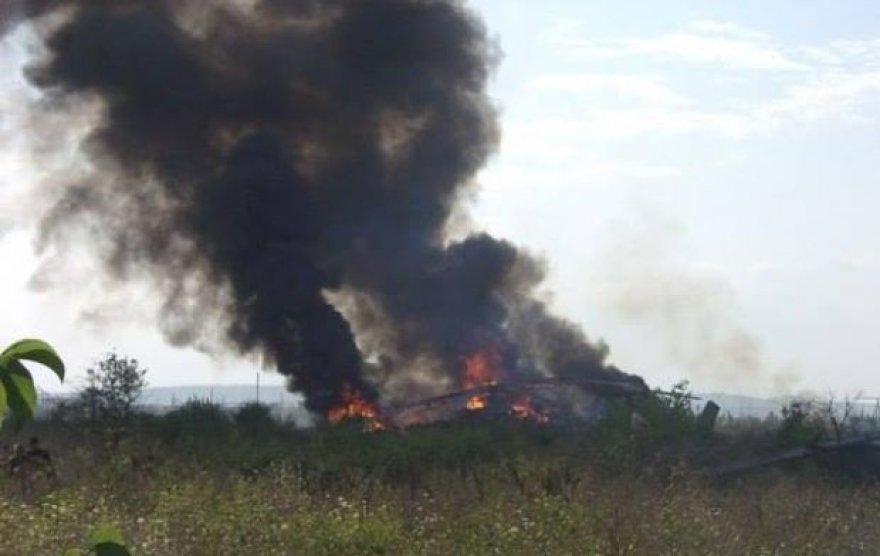 Teroristų numuštas ukrainiečių sraigtasparnis sudegė