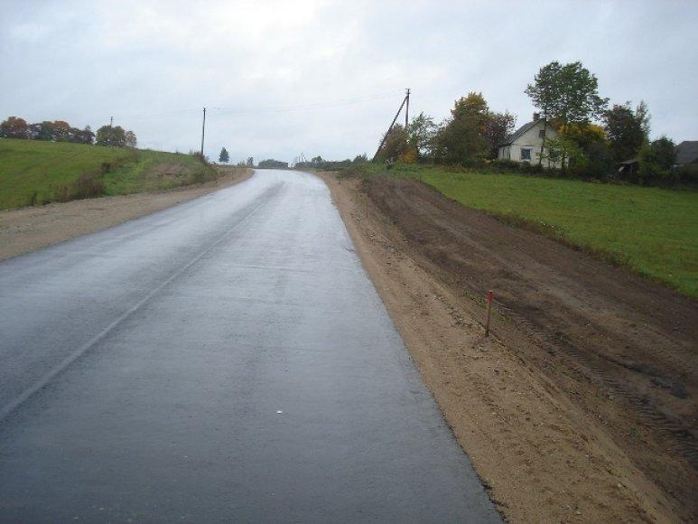 Lietuvoje vis dar nemažą dalį kelių tinklo sudaro žvyruoti keliai.