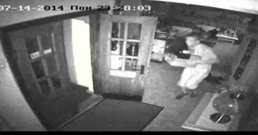 Vaizdo kameros užfiksavo vagystę iš sendaikčių parduotuvės