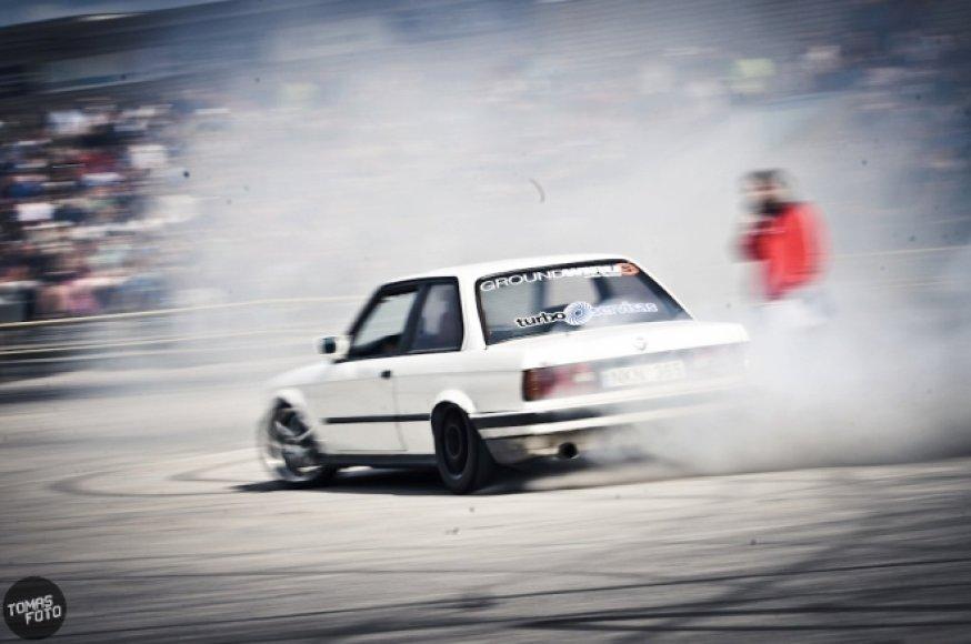 """""""BMW drift šou"""" Kretingoje"""