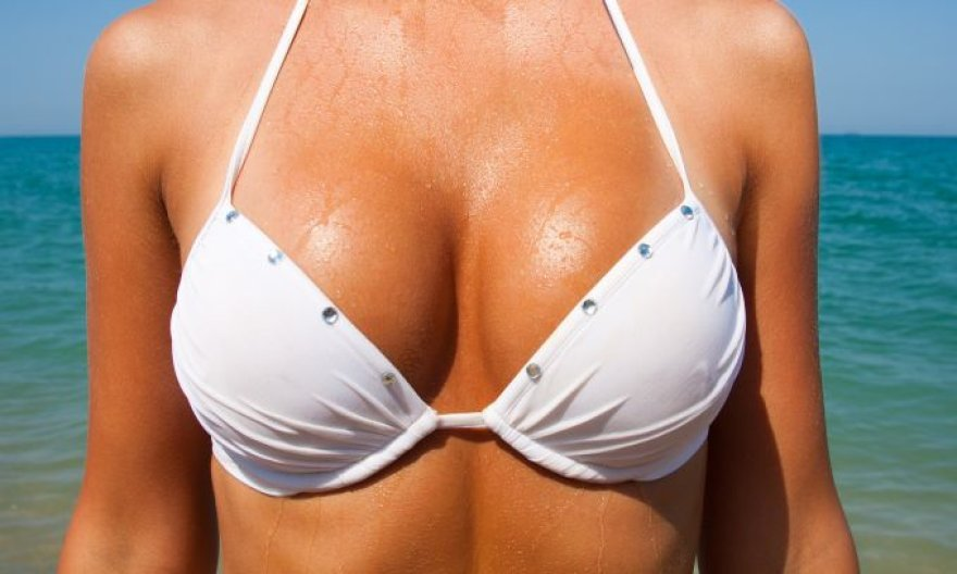 Moters krūtinė