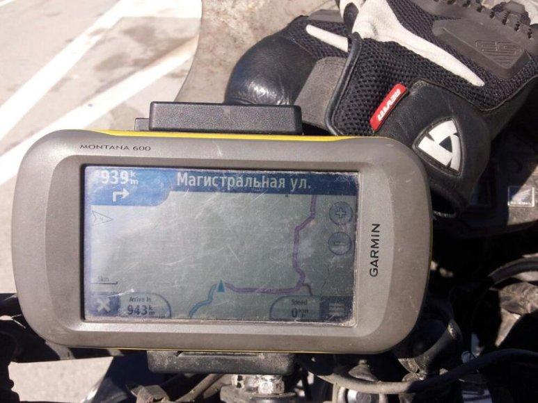 Aido Bubino navigacija rodo, kad 939 km važiuoti tiesiai