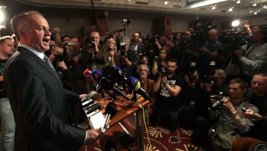 Slovakijos prezidentu išrinktas politikos naujokas milijonierius Andrejus Kiska