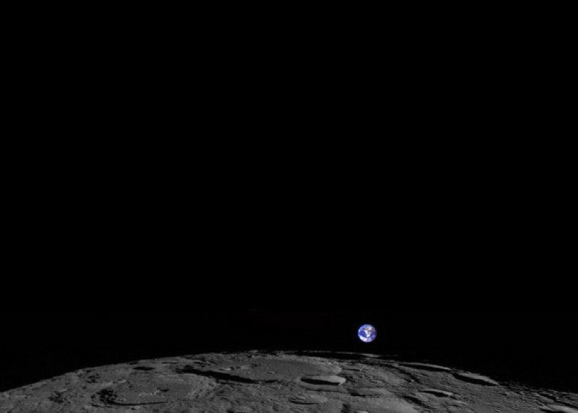 Štai kaip Žemė atrodo iš Mėnulio