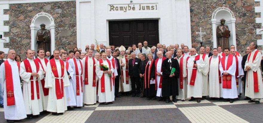 Sinode dalyvavo gausus būrys dvasininkų iš Lietuvos ir užsienio šalių