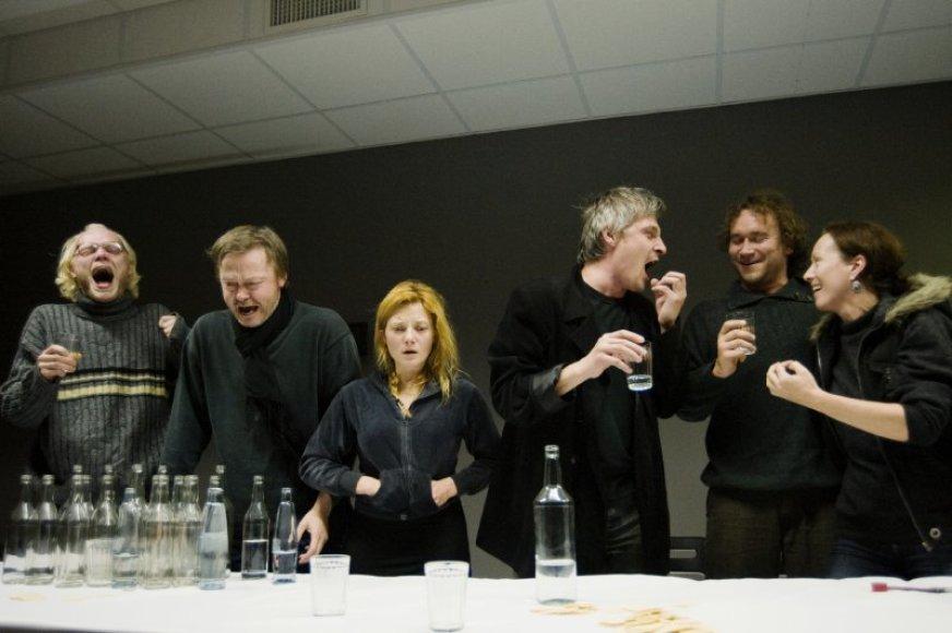 "Spektaklio ""Dugne"" scena dugne4-photo-d-matvejevas"