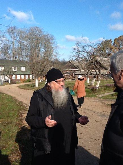Mikniškės-Michnovas (Šalčininkų r.), bendruomenės dvasininkas