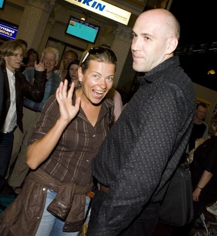 Foto naujienai: Paslaptingas vyras šalia Gretos Jansonaitės