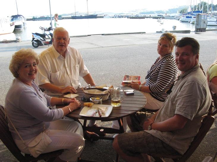 Foto naujienai: Kristina ir Algirdas Brazauskai, Laima ir Dalius Mertinai atostogauja drauge