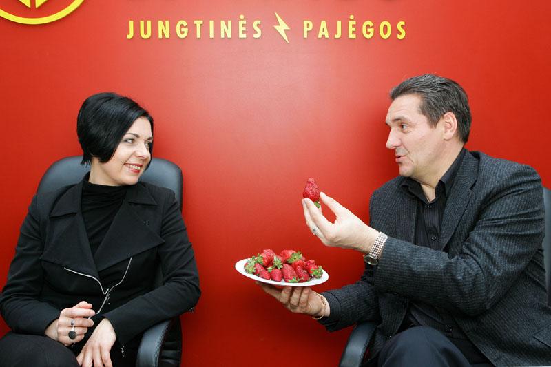 Foto naujienai: Algirdas Kaušpėdas ir Vilija Ulozaitė ruošiasi vestuvėms