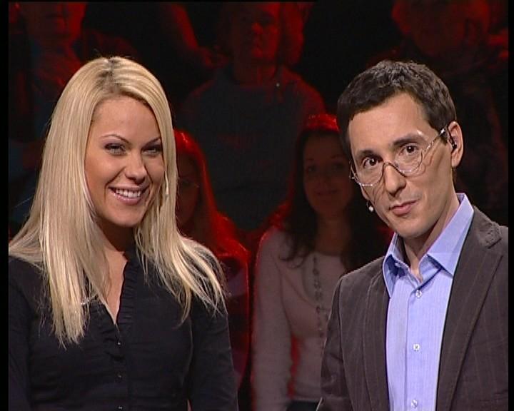 """Foto naujienai: Ar """"69 danguje"""" merginos gudresnės už TV3 penktokus?"""
