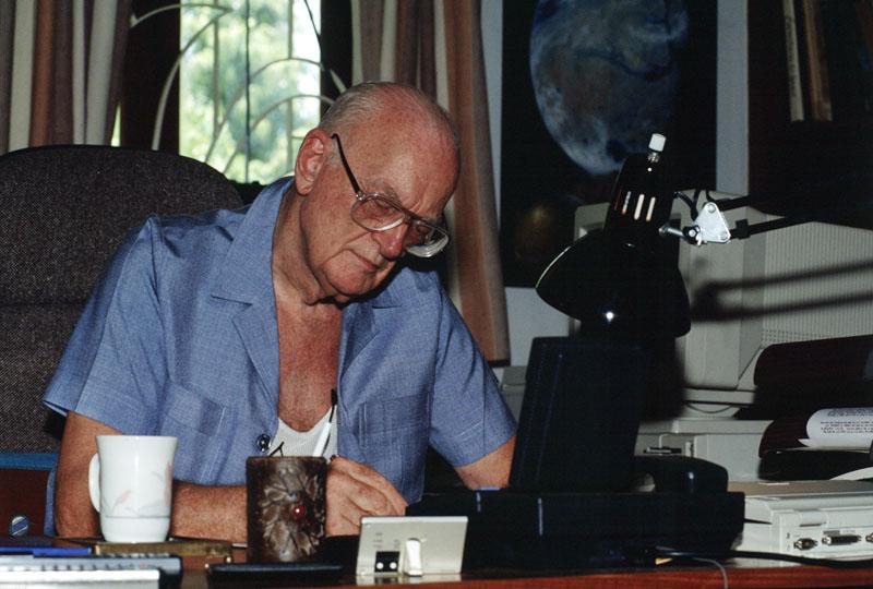 Foto naujienai: Fantastikos rašytojas Arthuras C. Clarke'as mirė Šri Lankoje