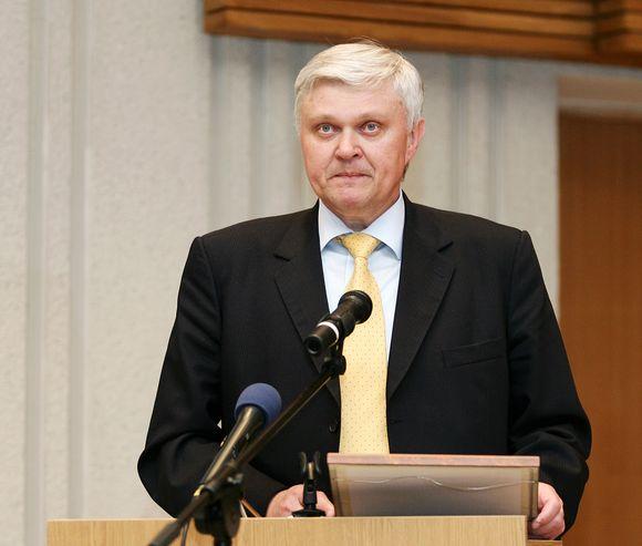J.Niedvaras