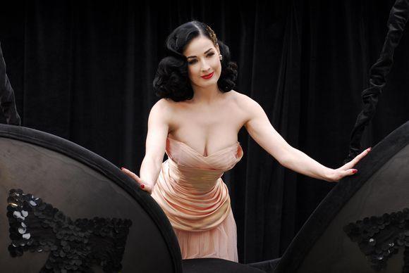 Aristokratiško grožio moteris
