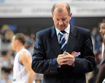 Alfredo Pliadžio nuotr./Mariupolio komandos treneris Rimas Girskis