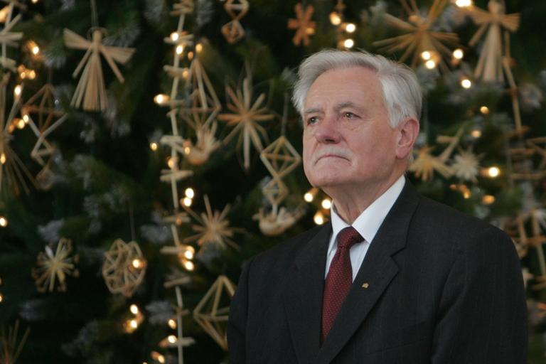 Prezidentas Valdas Adamkus mano, kad Kalėdos - susitaikymo ir susikaupimo metas.