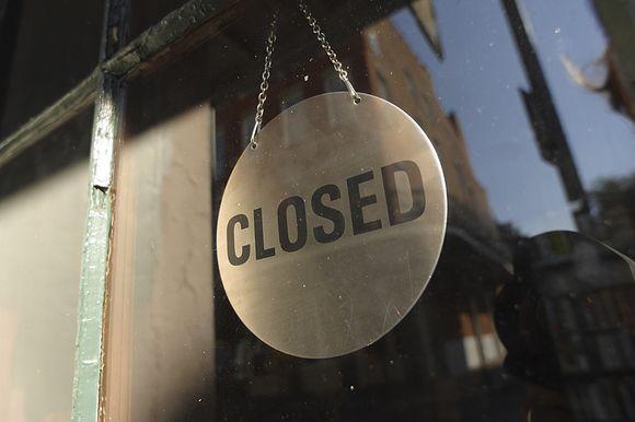 Parduotuvė uždaryta.