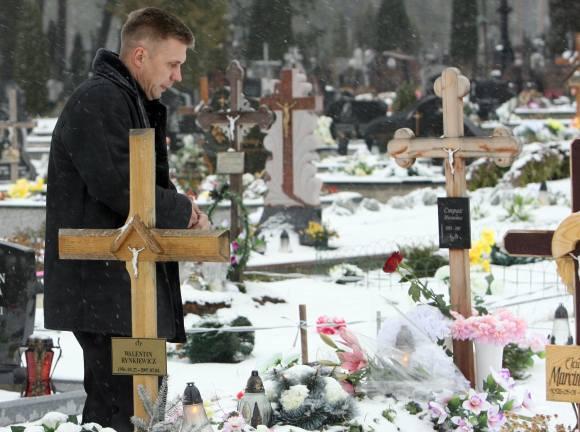 Jovita jau prieš pusantrų metų atgulė amžinojo poilsio, tačiau jos kapą nuolat lankantis tėvas neranda ramybės: kas tikrasis žudikas?