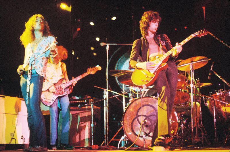 """Iš """"Led Zeppelin"""" liko legenda."""