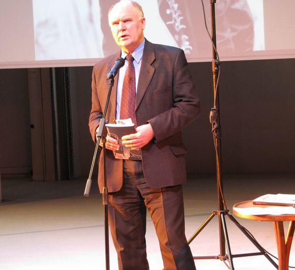 Audrės Domeikaitės nuotr./Lietuvos rašytojų sąjungos leidyklos redaktorius Valentinas Sventickas taip pat dalijosi mintimis apie aktorių.