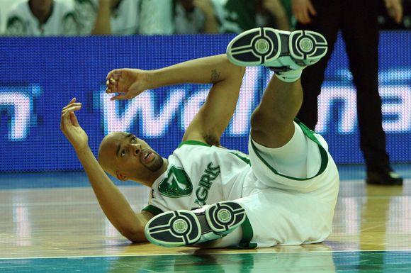 L.Woodsas dėl traumos į Barseloną neišskrido
