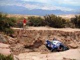 """AFP/""""Scanpix"""" nuotr./Carlosas Sainzas lenktynes baigė griovyje"""