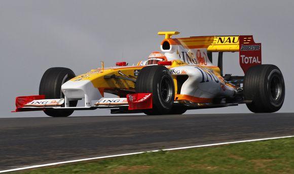 """""""Renault"""" formulę vairuoja Nelsonas Piquetas"""