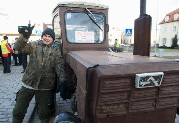 """AFP/""""Scanpix"""" nuotr./Latvijoje protestuoja  ūkininkai"""