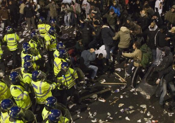 Didžiojoje Britanijoje pastaruoju metu – daugybė protestų.