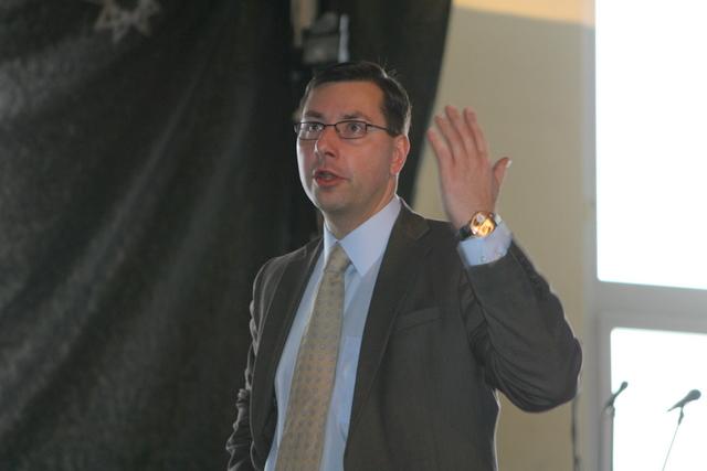 G.Steponavičius Vilniaus licėjaus abiturientams aiškino aukštojo mokslo reformos principus.