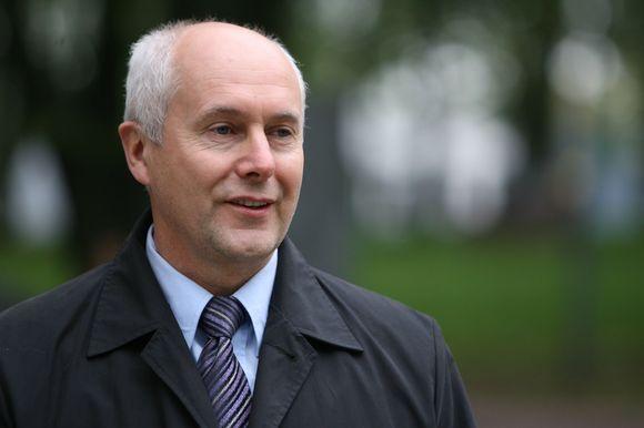 Ar savivaldybės administracijos vadovas Aloyzas Každailevičius nenusižengė įstatymams, spręs speciali komisija.