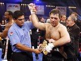 AFP/Scanpix nuotr./11 siūlių - tiek R.Čagajevui prireikė žaizdoms sutvarkyti