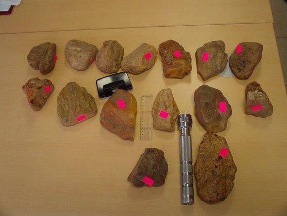 Panemunės kelio poste sulaikyti gintaro gabalai – beveik 27 kg, įvertinti beveik 25 tūkst. litų.