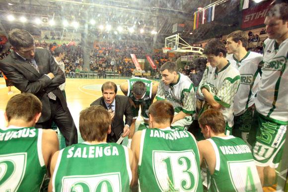 Kauno klubo krepšininkų padėka sirgaliams – apkarpytos algos.