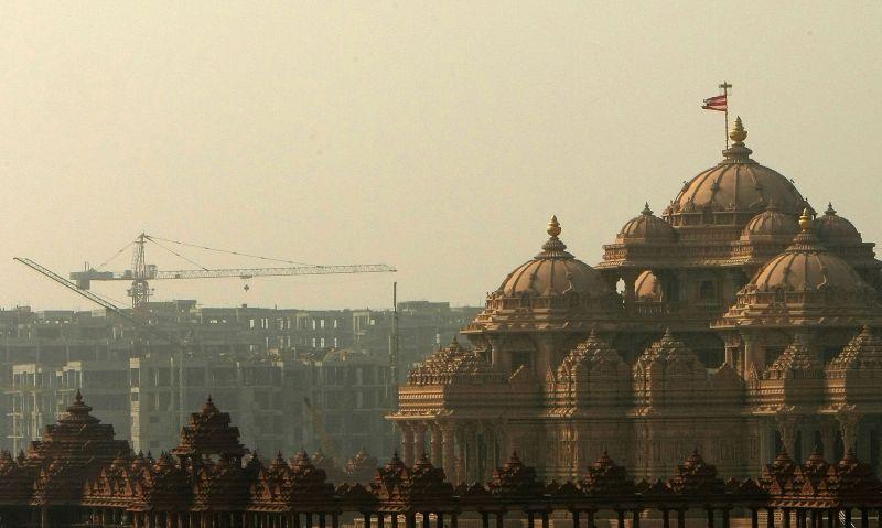 Indija, kaip ir Kinija, atgauna 18 amžiuje turėtas pozicijas.