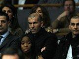 "AFP/""Scanpix"" nuotr./Madrido ""Real"" – Tel Avivo ""Maccabi"" rungtynes stebėjo futbolo legenda Zinedine Zidane"