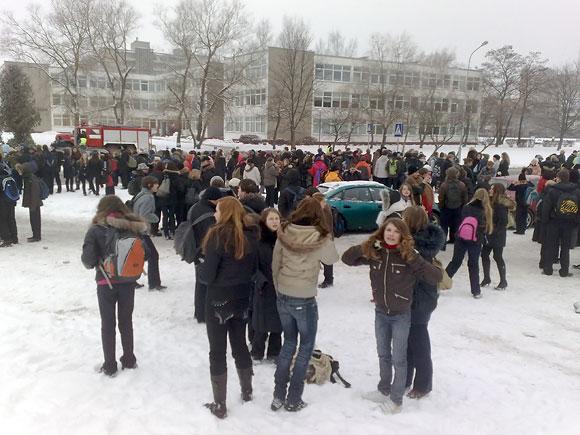 Iš gimnazijos evakuoti mokiniai