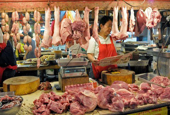 Kinijoje – 70 apsinuodijusiųjų kiauliena.
