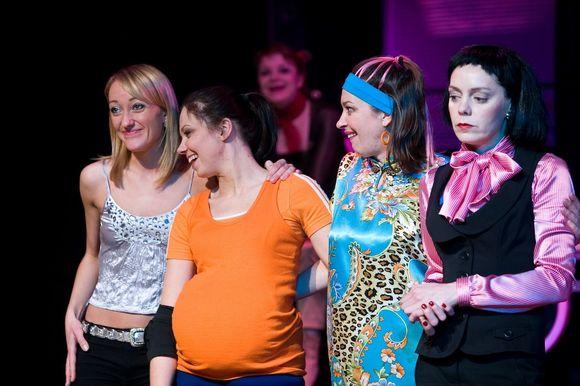"""Žaismingos komedijos """"Mergvakaris"""" režisierius Aleksandras Rubinovas sako, jog spektaklis skirtas ne tik moterims."""