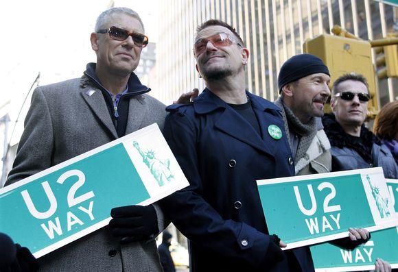 U2 atidengia savo gatvę Niujorke.