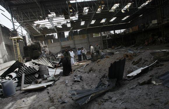 Po Izraelio atakų apžiūrima, ar yra padarytos žalos.