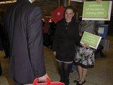 Aleksandro Černiako nuotr./Airijos lietuviai pasitinka atvykstančiu LR prezidento rinkimus.