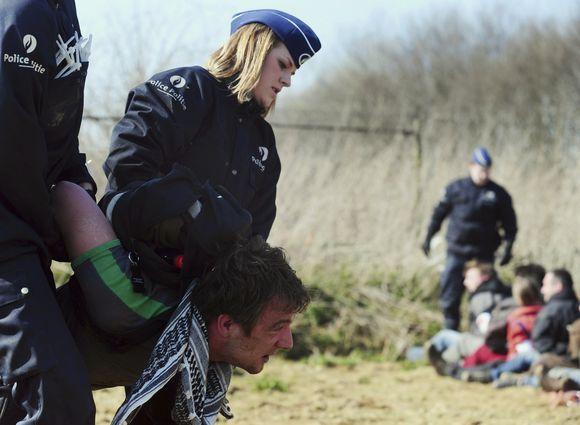 Sulaikytas protestuotojas