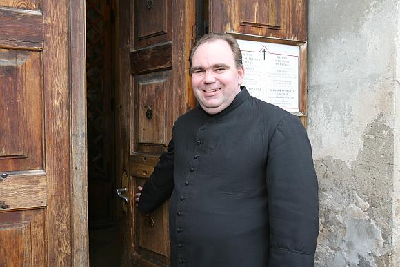 Pasak kunigo Arūno Kesilio, dvasininko nereikėtų prilyginti psichologui, tačiau jis gali padėti ir paguosti bėdos ištiktą žmogų.