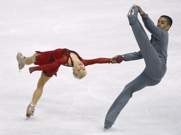 Aliona Savčenko ir Robinas Szolkowy apgynė čempionų titulą.