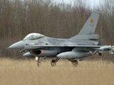 Alfredo Pliadžio nuotr./2004 m. kovo 29 d. Šiaulių aerodrome nusileidę Belgijos karališkųjų oro pajėgų naikintuvai F-16 Fighting Falcon