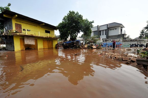 Išsiliejus vandeniui žuvo daugybė žmonių.