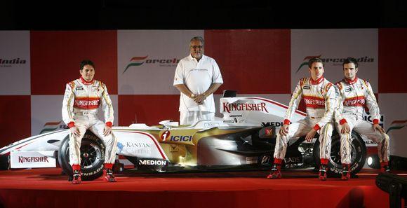 """""""Force India"""" komanda: 26 m. Adrianas Sutilas iš Vokietijos ir 36 m. Giancarlo Fisichella iš Italijos"""